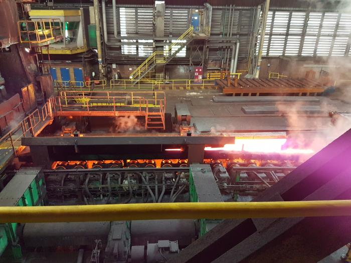 Taartuitreiking Tata Steel Warmband